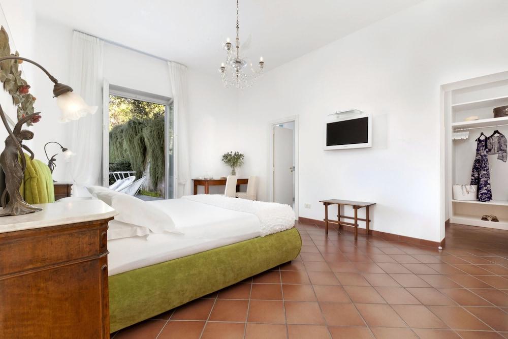 빌라 오리아나 릴레(Villa Oriana Relais) Hotel Image 18 - Guestroom