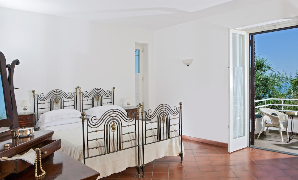 빌라 오리아나 릴레(Villa Oriana Relais) Hotel Image 4 - Guestroom