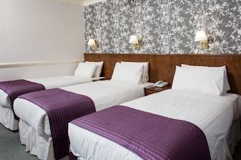 Triple Room (Crown, 3 Single Beds)
