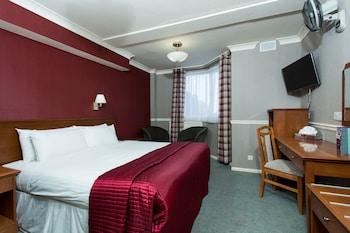 Family Room (Sleeps 5)