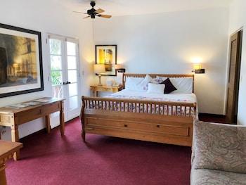Room, 1 King Bed, Balcony, Mountainside