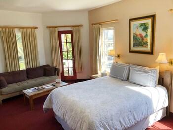 Room, 1 Queen Bed, Balcony, Mountainside