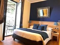 Studio Suite, 1 Queen Bed, Balcony, Garden View