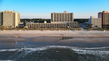 Book Compass Cove Resort in Myrtle Beach.