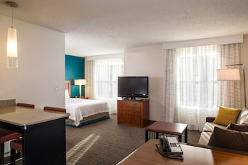 Guestroom at Residence Inn by Marriott Arundel Mills BWI Airport in Hanover