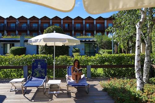 . Iseolago Hotel