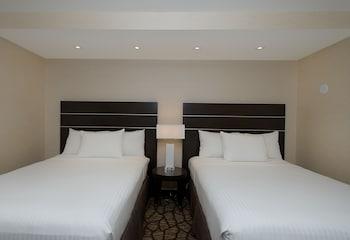 2 Queen Beds - Accessible Suite