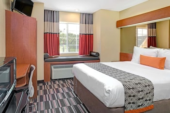 Accessible one queen bed non smoking