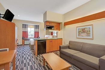 Studio Suite, 1 Queen Bed, Accessible, Non Smoking