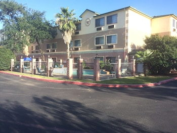 Hotel - Days Inn by Wyndham Suites San Antonio North/Stone Oak