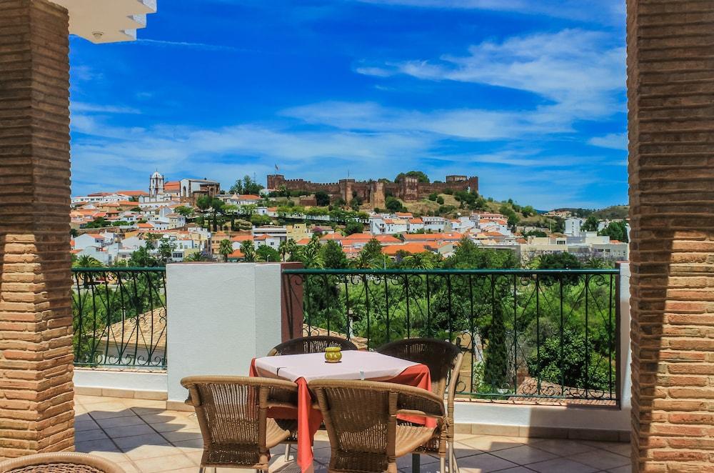 호텔 콜리나 도스 모로스(Hotel Colina Dos Mouros) Hotel Image 7 - Balcony
