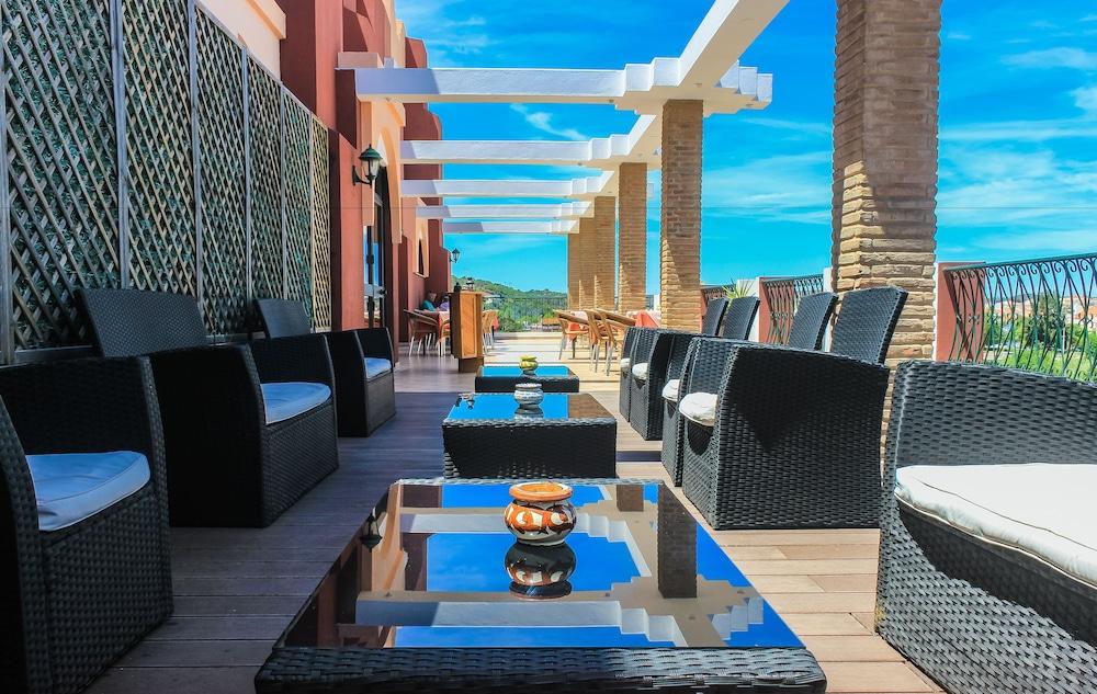 호텔 콜리나 도스 모로스(Hotel Colina Dos Mouros) Hotel Image 12 - Breakfast Area