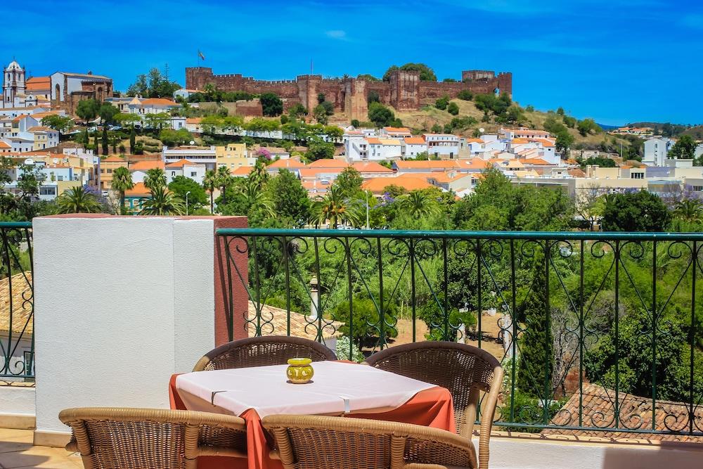 호텔 콜리나 도스 모로스(Hotel Colina Dos Mouros) Hotel Image 16 - Restaurant