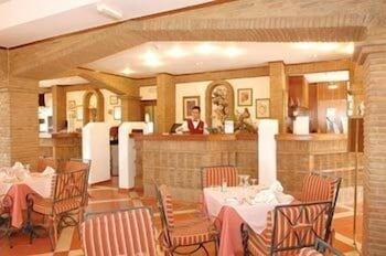 호텔 콜리나 도스 모로스(Hotel Colina Dos Mouros) Hotel Image 25 - Restaurant