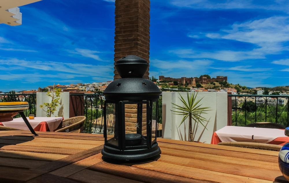 호텔 콜리나 도스 모로스(Hotel Colina Dos Mouros) Hotel Image 20 - Outdoor Dining