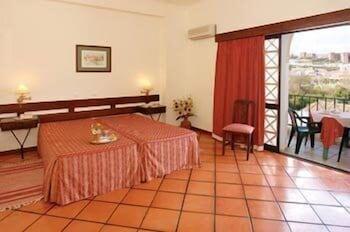 호텔 콜리나 도스 모로스(Hotel Colina Dos Mouros) Hotel Image 2 - Guestroom