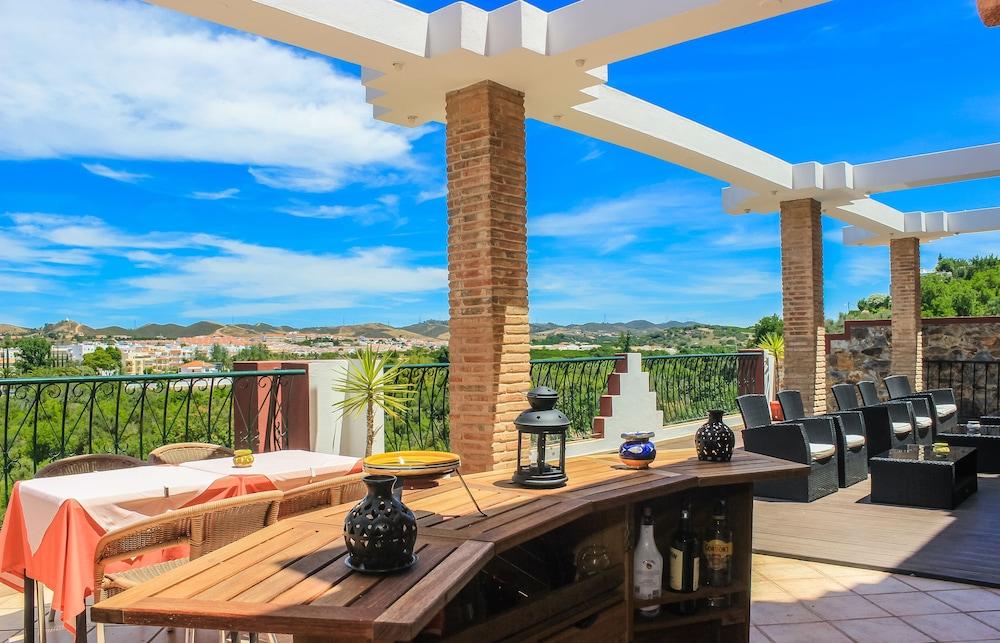 호텔 콜리나 도스 모로스(Hotel Colina Dos Mouros) Hotel Image 21 - Outdoor Dining