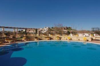 호텔 콜리나 도스 모로스(Hotel Colina Dos Mouros) Hotel Image 11 - Outdoor Pool