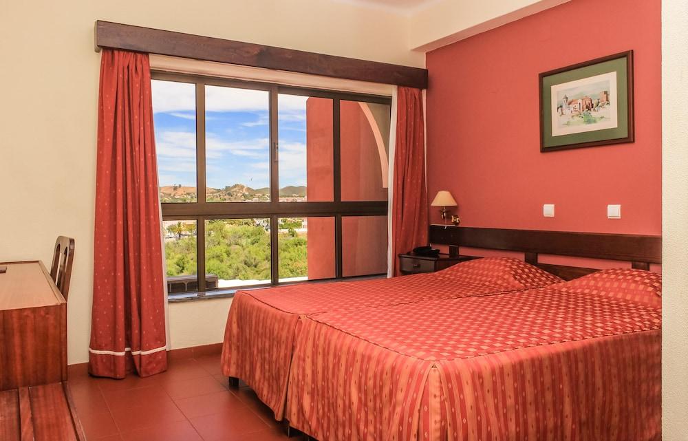 호텔 콜리나 도스 모로스(Hotel Colina Dos Mouros) Hotel Image 3 - Guestroom