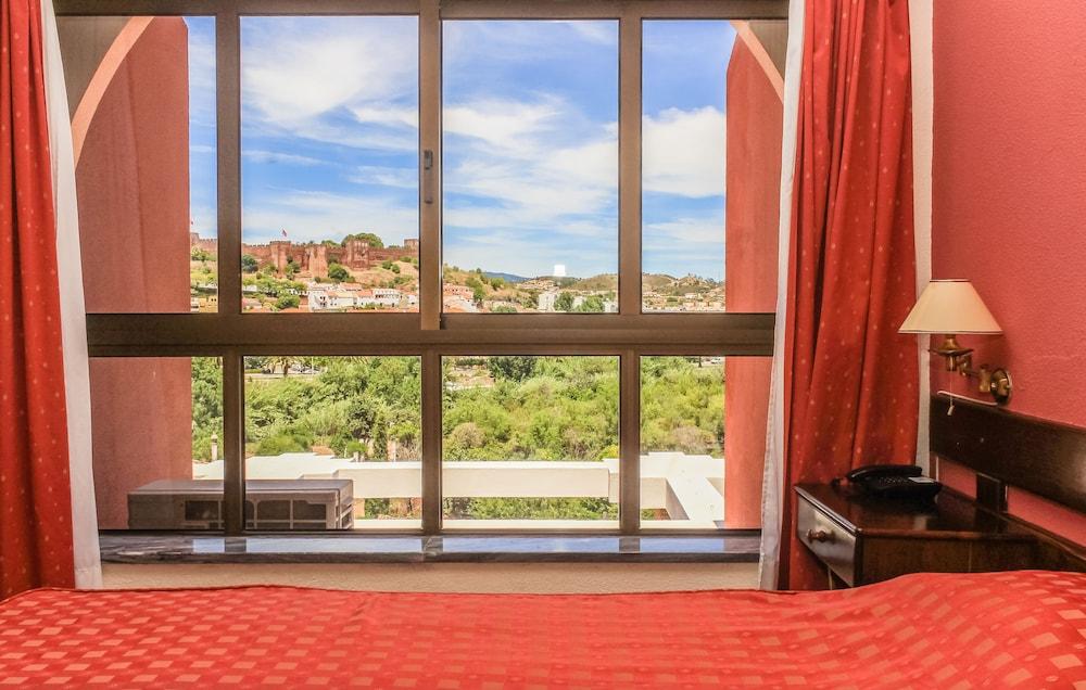 호텔 콜리나 도스 모로스(Hotel Colina Dos Mouros) Hotel Image 8 - Guestroom View