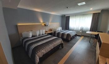 Deluxe Room, 2 Queen Beds, Non Smoking, Americana Waterpark Resort and Spa