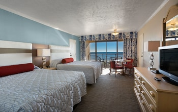 Guestroom at Ocean Reef Resort in Myrtle Beach