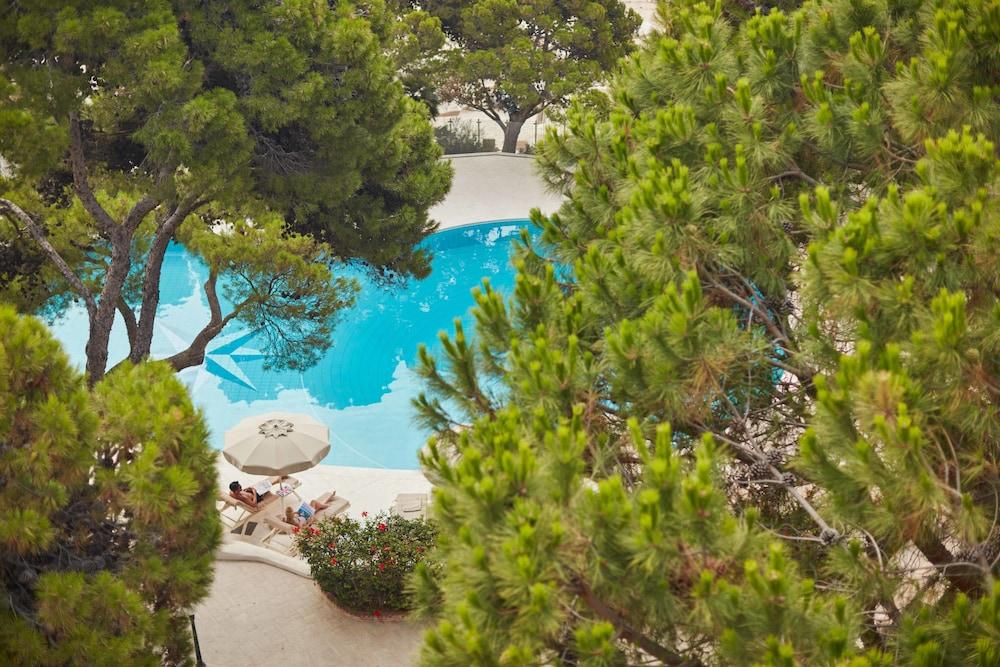 포르테 빌리지 리조트 - 르 팔메(Forte Village Resort – Le Palme) Hotel Image 2 - Pool