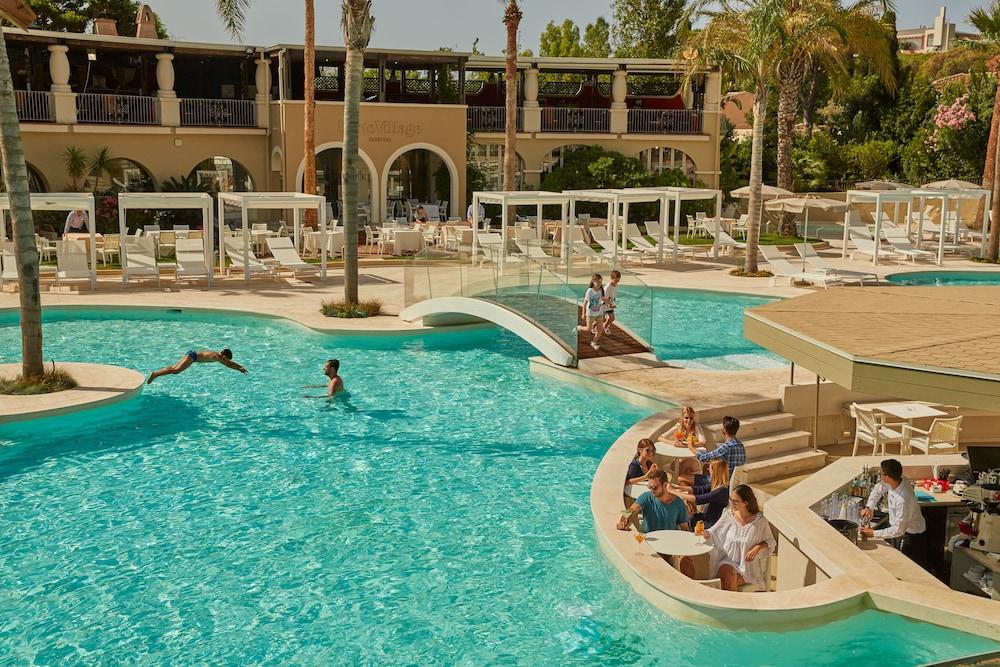 포르테 빌리지 리조트 - 르 팔메(Forte Village Resort – Le Palme) Hotel Image 3 - Pool