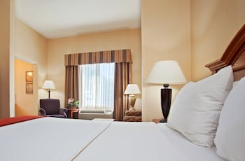 Suite, 1 Queen Bed, Non Smoking, Jetted Tub