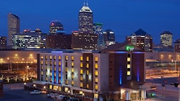 Holiday Inn Express Indianapolis Downtown Convention Center, an IHG Hotel