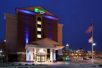 Holiday Inn Express Indianapolis Downtown Convention Center photo