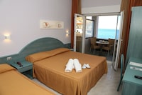 Panoramic Triple Room, Sea View