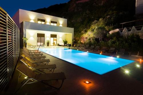 __{offers.Best_flights}__ Hotel & SPA Riviera Castelsardo