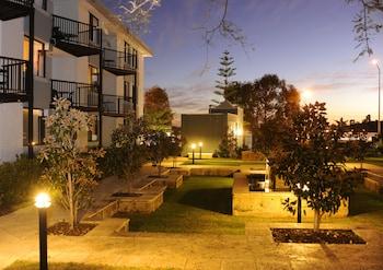 洛迪斯塔水畔公寓飯店 Lodestar Waterside Apartments