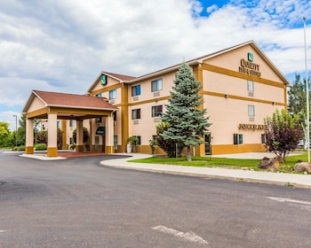 Hotel - Quality Inn And Suites