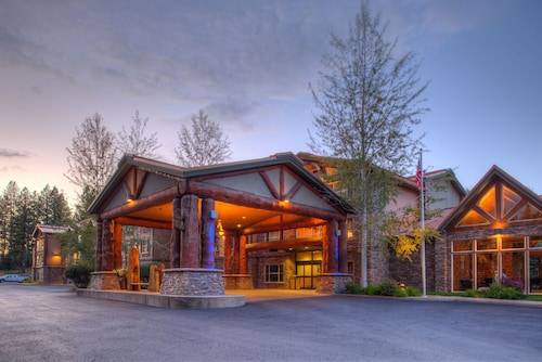 . Holiday Inn Express Hotel & Suites McCall-The Hunt Lodge, an IHG Hotel