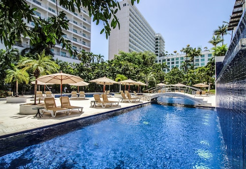 . Hotel Emporio Acapulco