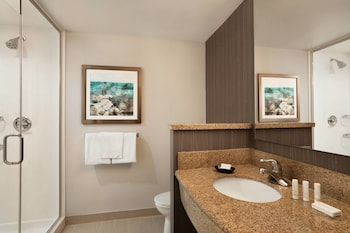 Middletown Vacations - Courtyard by Marriott Middletown - Property Image 1