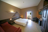 Deluxe Triple Room, Lake View