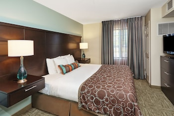 Staybridge Suites Chicago - Glenview