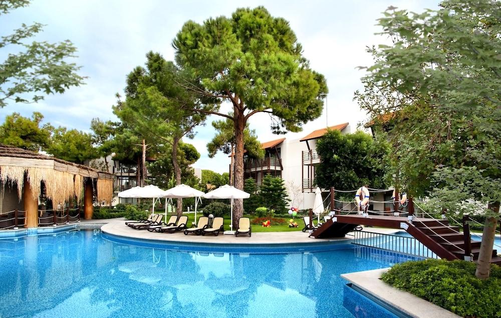 글로리아 골프 리조트(Gloria Golf Resort) Hotel Image 28 - Outdoor Pool