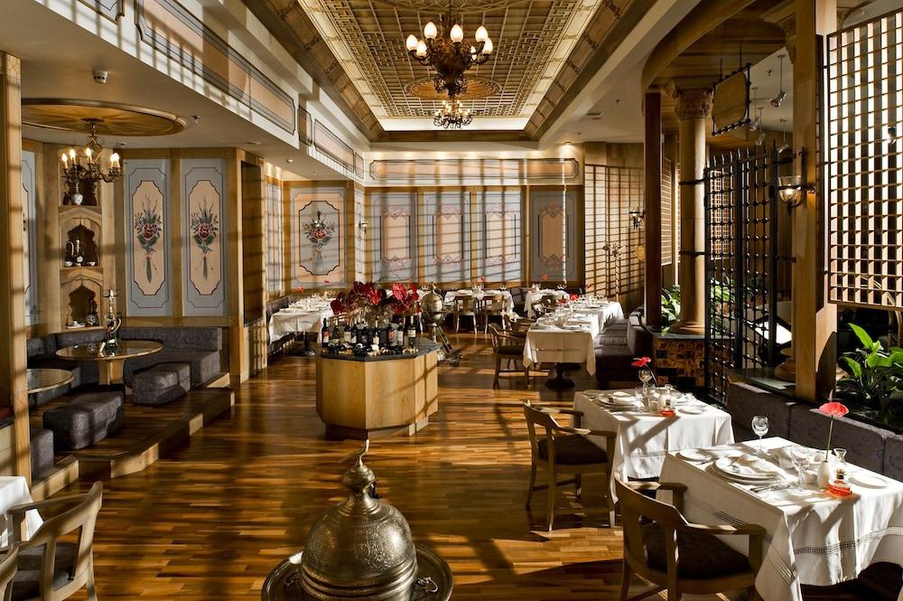 글로리아 골프 리조트(Gloria Golf Resort) Hotel Image 53 - Restaurant