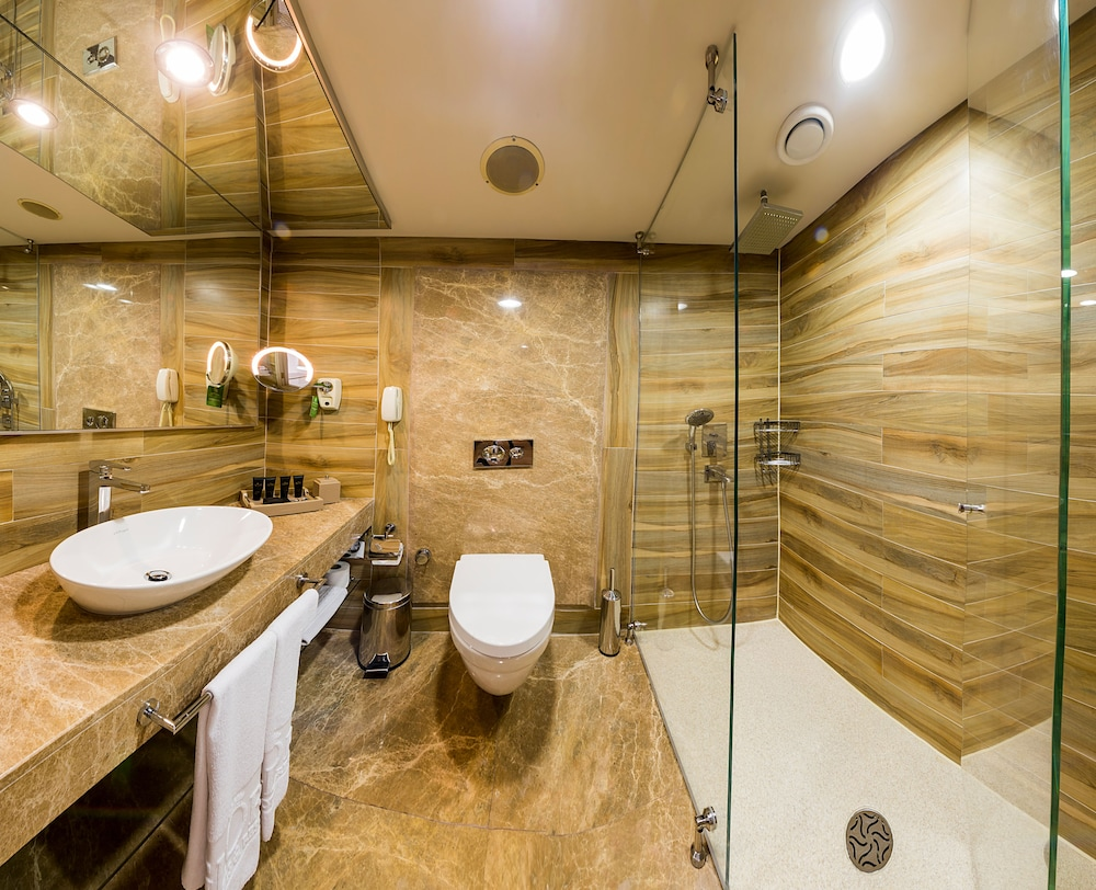 글로리아 골프 리조트(Gloria Golf Resort) Hotel Image 19 - Bathroom