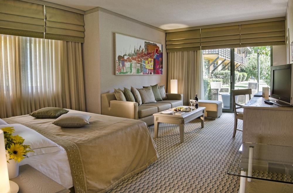 글로리아 골프 리조트(Gloria Golf Resort) Hotel Image 12 - Living Area