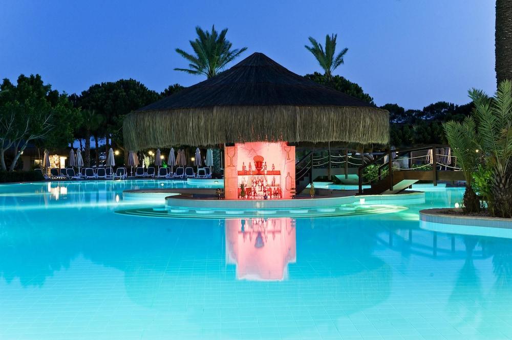 글로리아 골프 리조트(Gloria Golf Resort) Hotel Image 58 - Poolside Bar