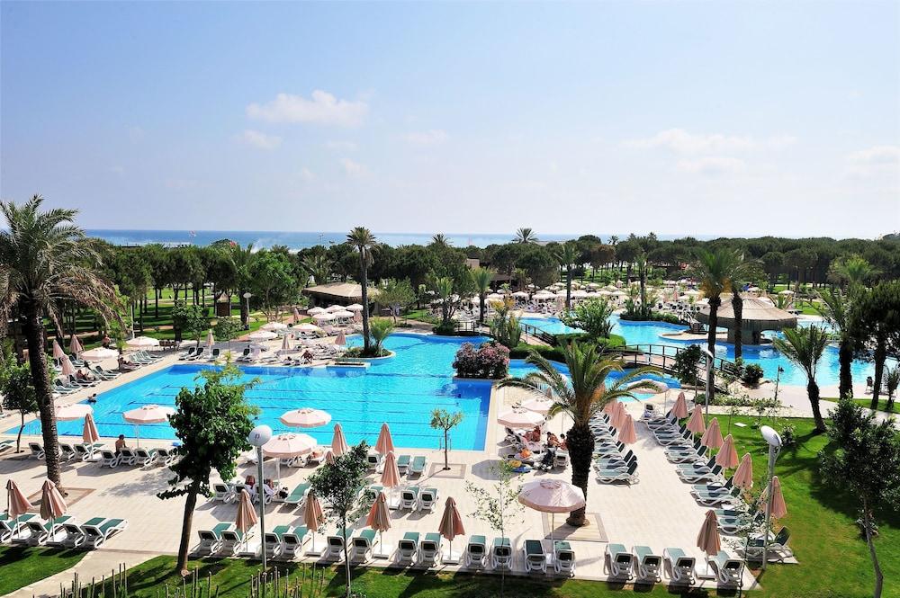 글로리아 골프 리조트(Gloria Golf Resort) Hotel Image 27 - Outdoor Pool
