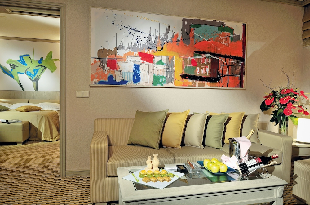 글로리아 골프 리조트(Gloria Golf Resort) Hotel Image 10 - Living Area