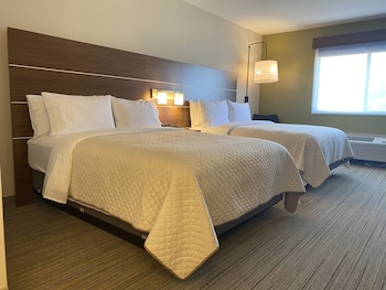 Room, 2 Queen Beds, Accessible, Non Smoking (Mobility Tub)