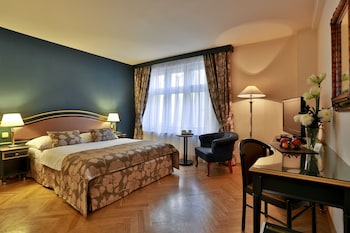 Double Room (with breakfast and air-condition)