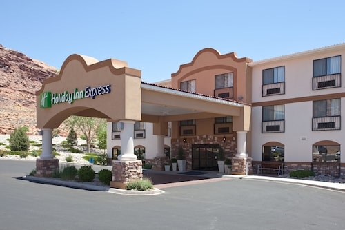 __{offers.Best_flights}__ Holiday Inn Express & Suites Moab